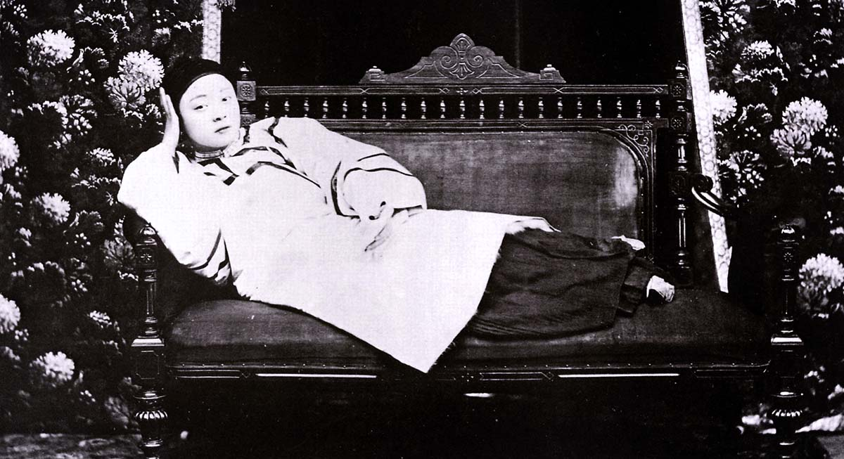 Китайская куртизанка Инцзи. Фото 19века