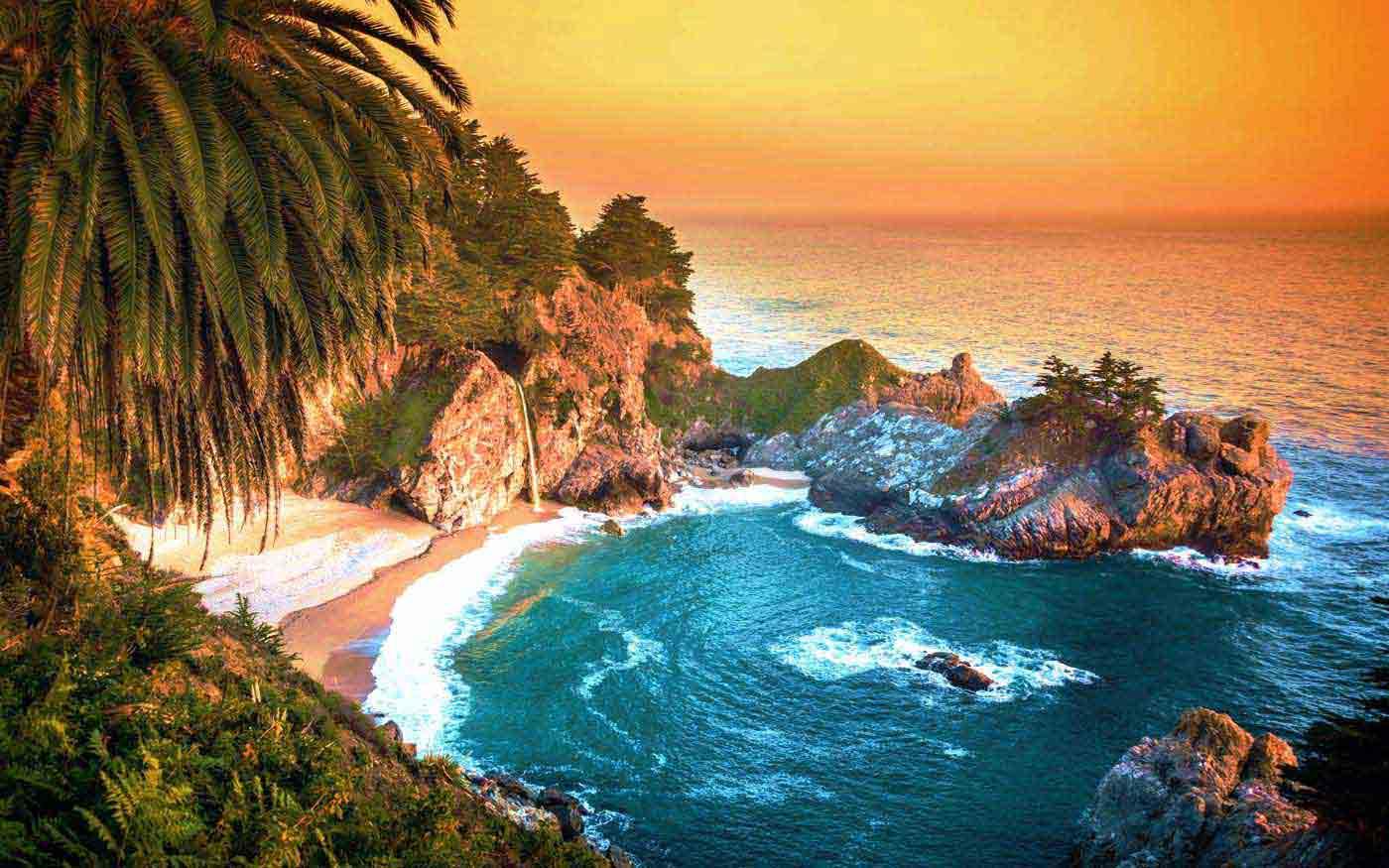 Скалы на побережье Биг-Сур (Калифорния, США)
