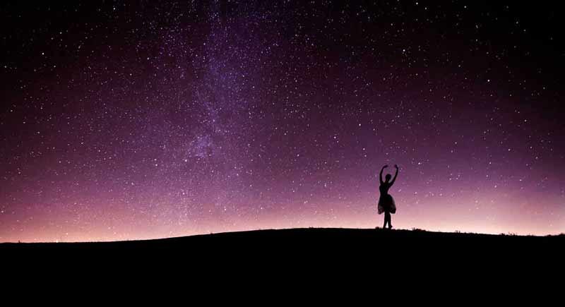 Ночь под звёздами в пустыне