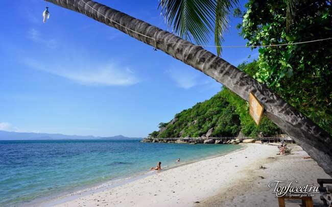Один из пляжей на острове