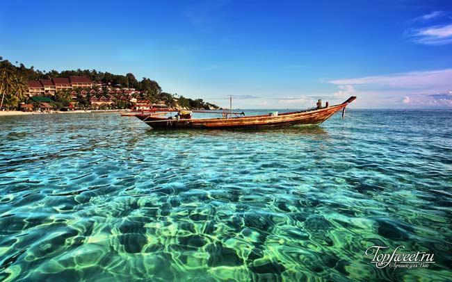 Прозрачные воды острова