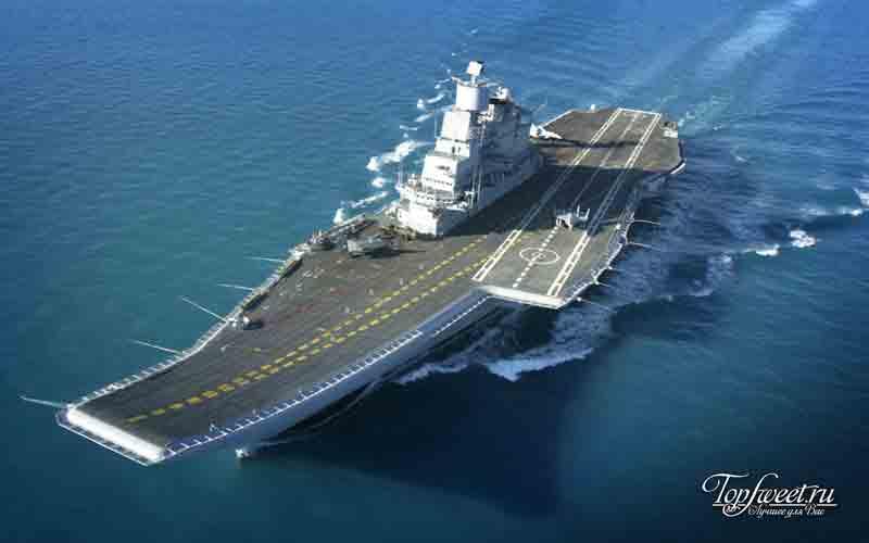 Идзумо. самые большие корабли в мире