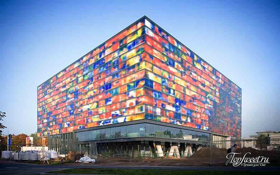 Здание института звука и изображения. Нидерланды