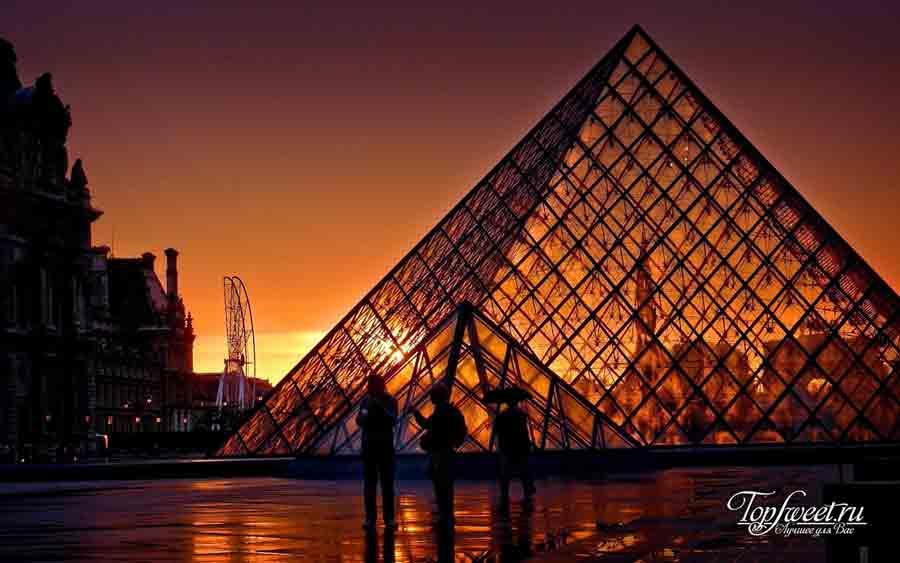 Пирамида Лувра,Современная архитектура из стекла и металла