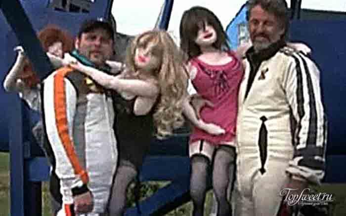 Скайдайвинг. ТОП-10 удивительных способов как использовать куклу для секса