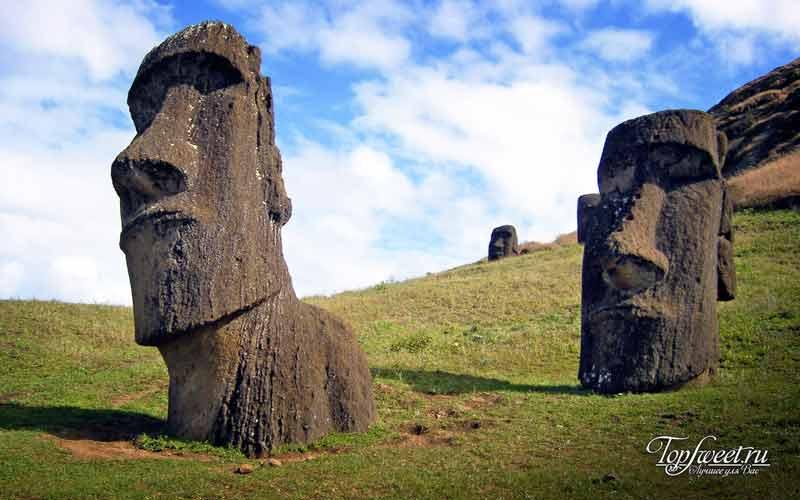 Статуи моаи с острова Пасхи