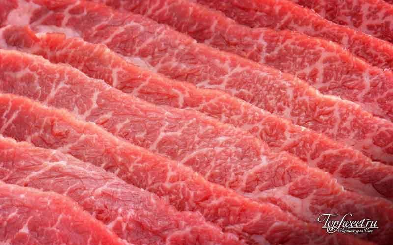 Замороженное мясо. Почему нельзя греть в микроволновке замороженное мясо?