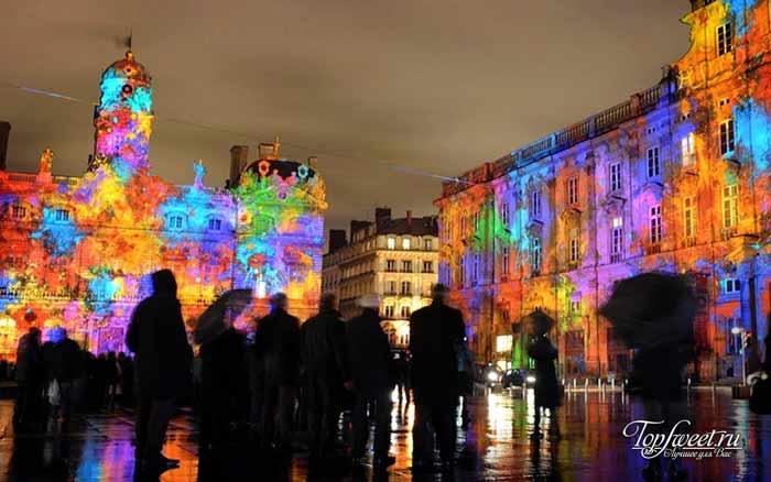 Город световой культуры. ТОП-5 событий, которые стоит посетить в Питере этой весной
