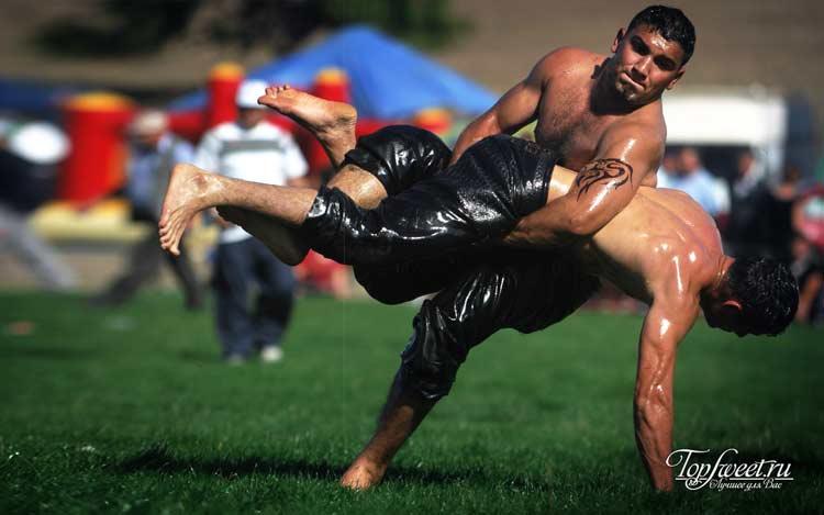 Масляная борьба. Самые необычные виды спорта