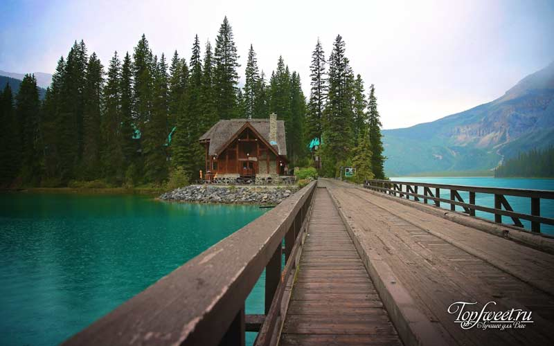 Emerald Lake Lodge.
