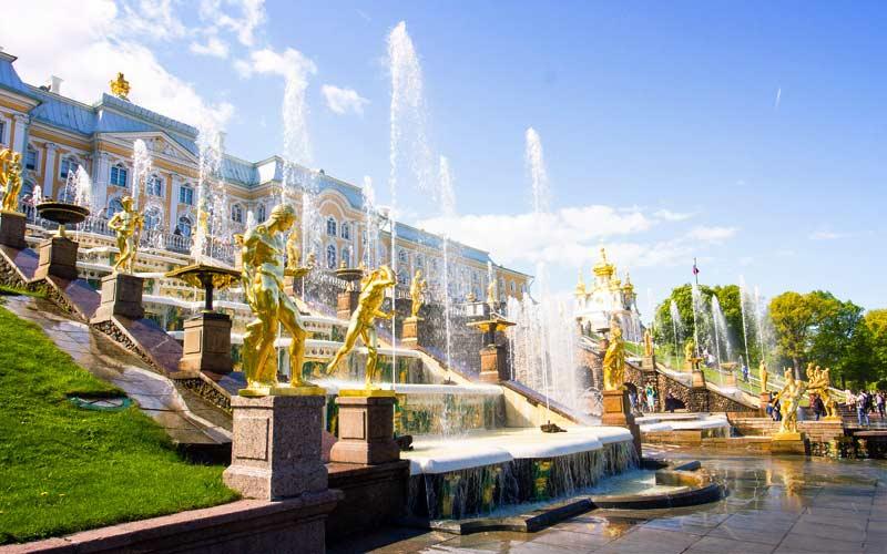 Петергоф. 10 необчных мест России
