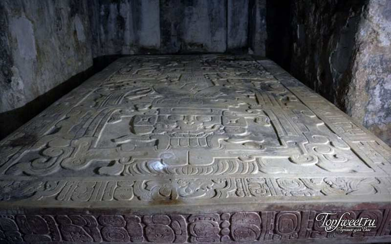 Гробница астронавта