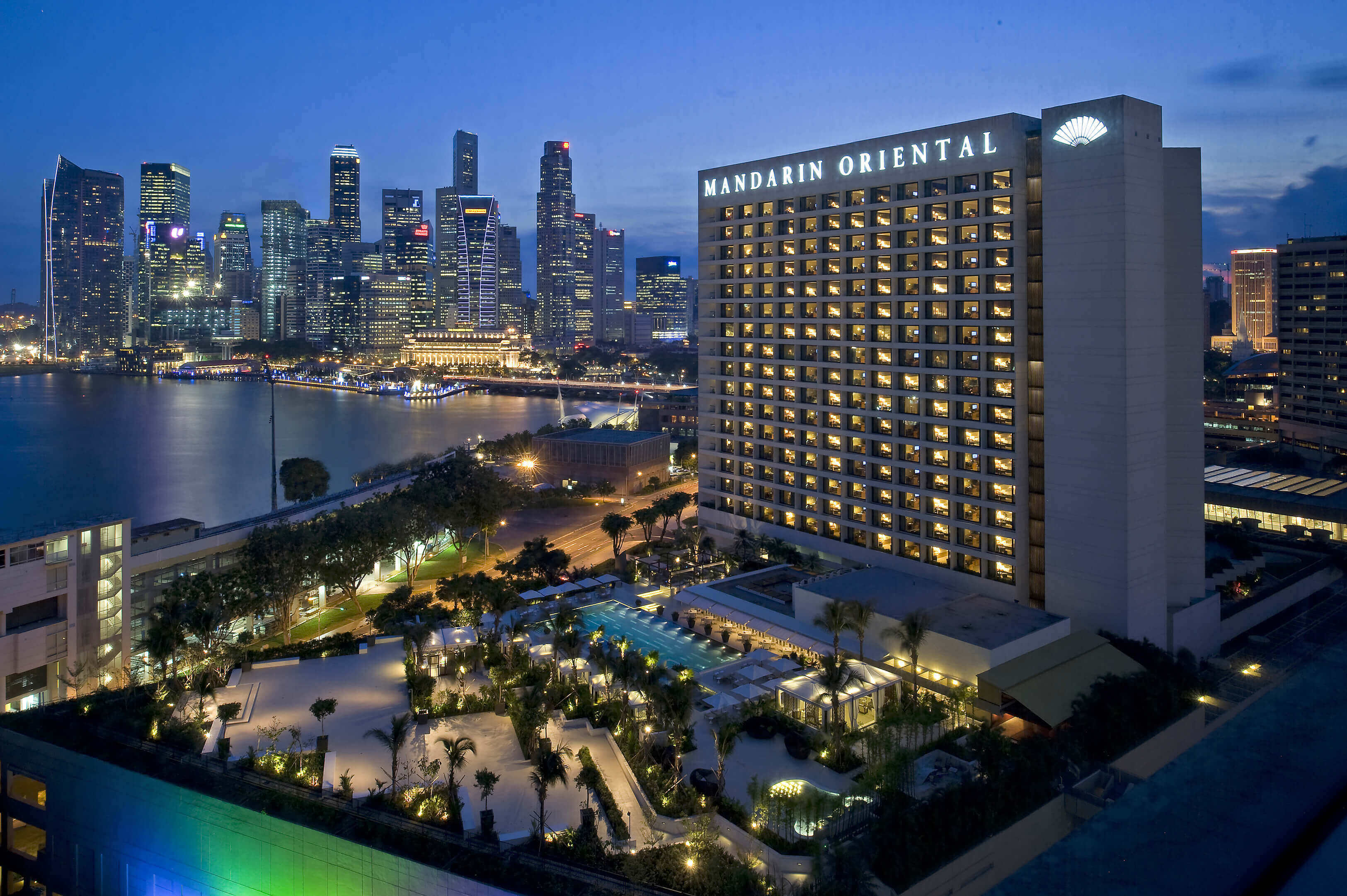 singapore exterior 2 10 best hotels where you can meet celebrities