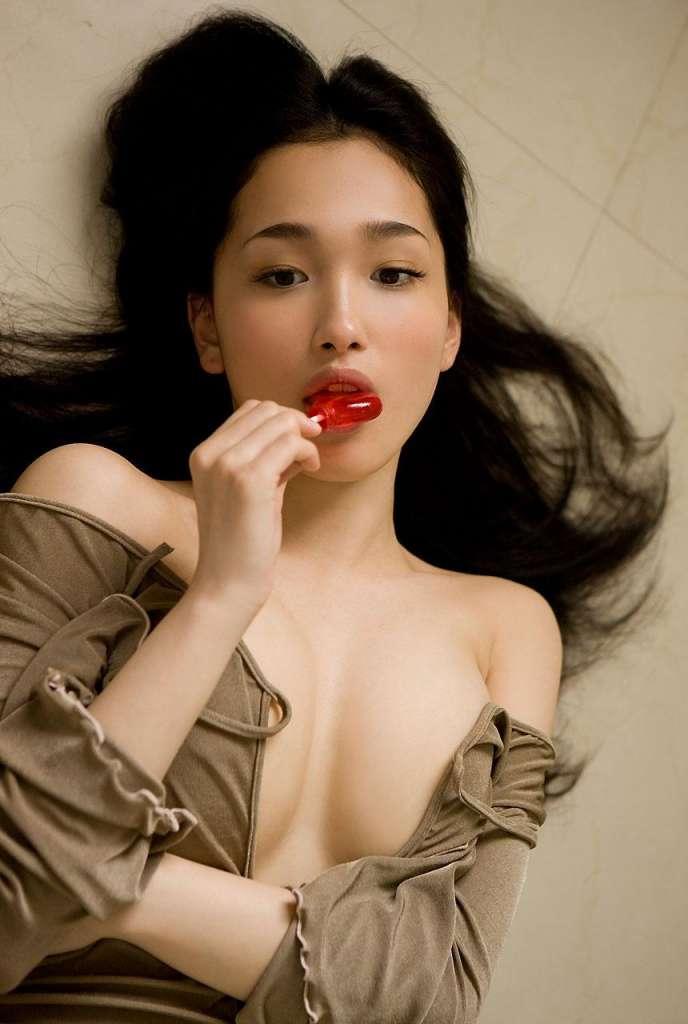 Самые красивые японки - Реон Кадена